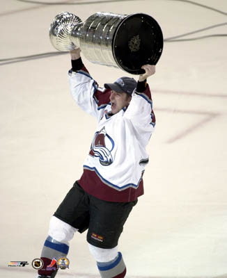 aacg015chris-drury-with-stanley-cup-6-9-01-photofile-posters